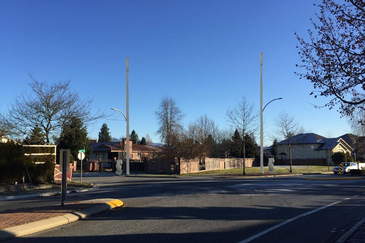 Wireless antenna proposal for Fraser Heights streetlights