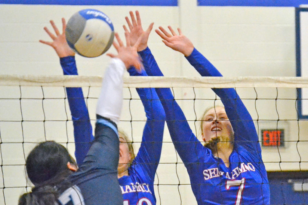 Totems, Mariners win South Fraser volleyball titles - North Delta Reporter